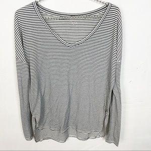 Mudd l Striped V Neck Long Sleeve T-shirt